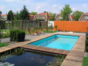tuinaanleg met vlonders en zwembad