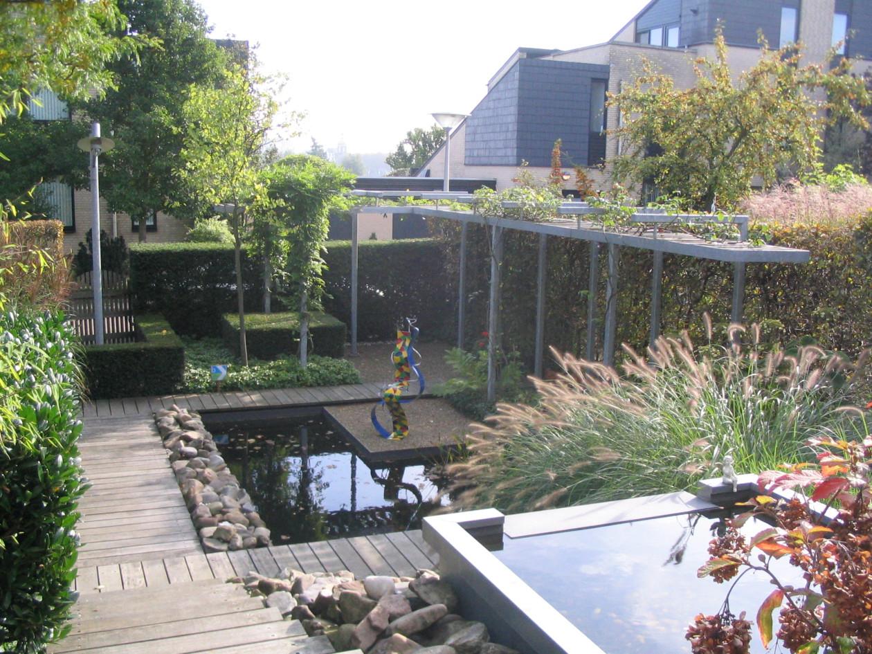 Tuinaanleg bestrating hoveniersbedrijf hpg for Vijver in tuin