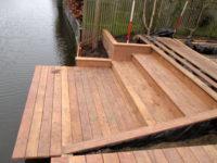 aanleg houten trap met vlonder Purmerend